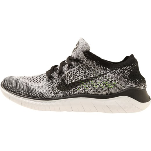7d58383cd7114 Nike Performance FREE RN FLYKNIT 2018 Obuwie do biegania neutralne white  black Nike Performance 40 .