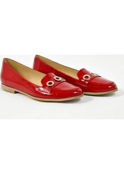MargoShoes czerwone lakierowe mokasyny półbuty ze skóry naturalnej ozdobne oczka produkt polski Margoshoes czerwony  - kod rabatowy