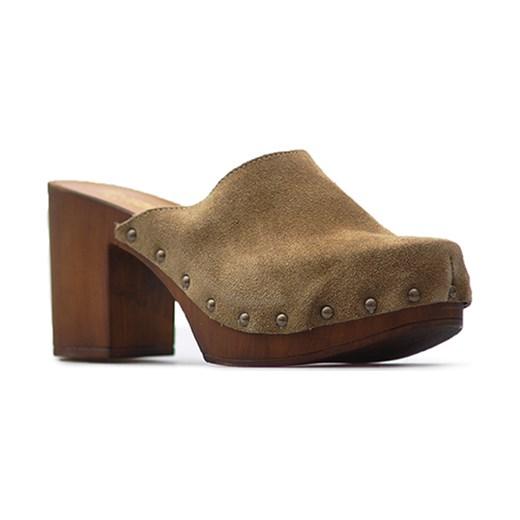 0521dd80a67e3 Klapki Venezia 9624 CAMEL Brązowe zamsz Venezia Arturo-obuwie ...