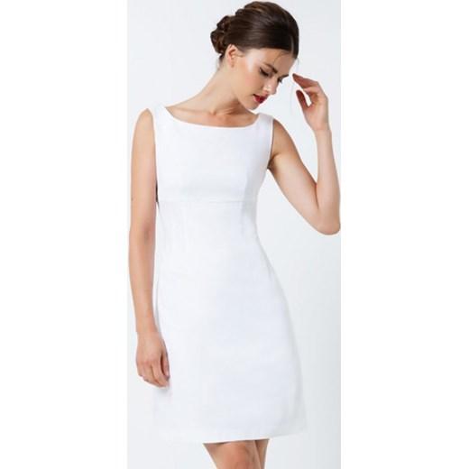 d6c4bed3c3 Sukienka Empire Line biała Conquista showroom.pl w Domodi