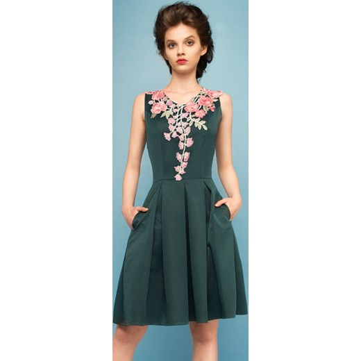 ec398480c95bce Sukienka z kwiatowym haftem Monnom Boutique M promocja showroom.pl