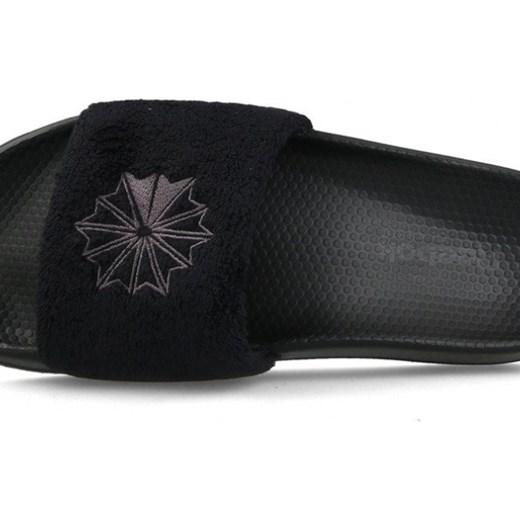 b664fc61688ae ... Klapki damskie Reebok Classic Slide CN4193 39 sneakerstudio.pl ...