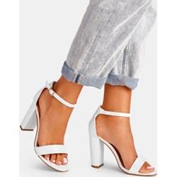 904175c9c30d Białe buty damskie na słupku