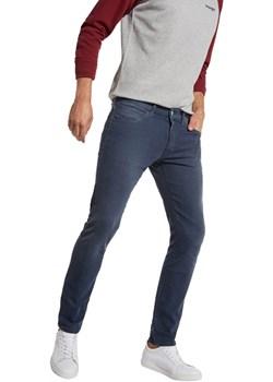 Spodnie Wrangler Strangler W16TFY37Z  Wrangler SMA Wrangler - kod rabatowy