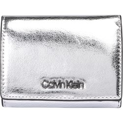 680907f192403 Portfel damski Calvin Klein - AboutYou