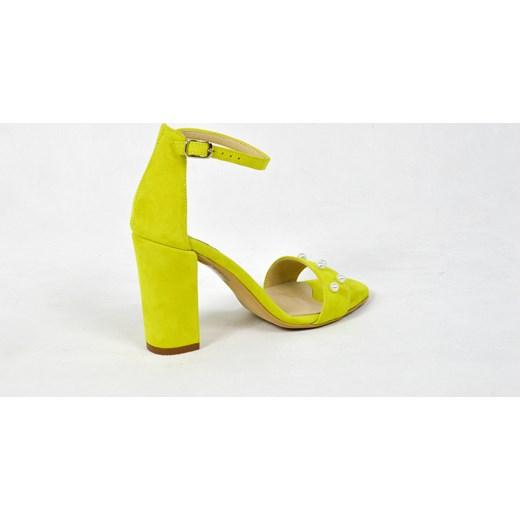 nowy MargoShoes żółte sandałki z perłami na obcasie słupku