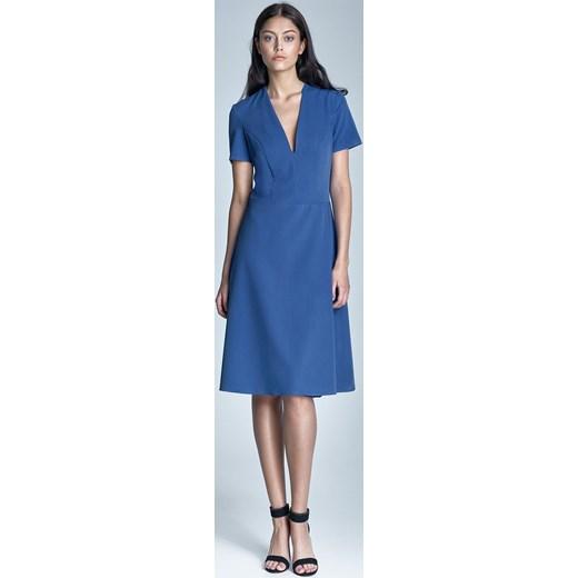 fcec136ac1 Elegancka Niebieska Sukienka Midi z Głębokim Dekoltem w Szpic niebieski  Molly.pl