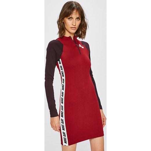 9b95ce573d Nike Sportswear sukienka do pracy czerwona mini dopasowana bawełniana bez  wzorów