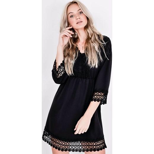 93cd01106d Sukienka Zoio czarna mini trapezowa z dekoltem w literę v w Domodi