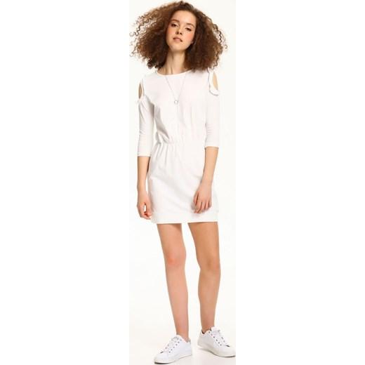 a07ad5e1 Sukienka Troll biała z okrągłym dekoltem dzianinowa bez wzorów na co dzień