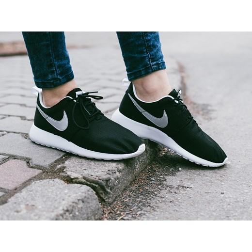 super popular 66070 ac72d Buty damskie sneakersy Nike Roshe One (GS) 599728 021 sneakerstudio.pl w  Domodi