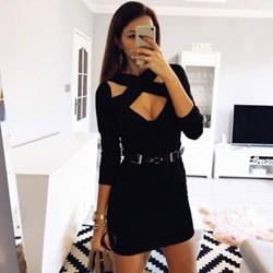 67f74130f9 Sukienka Pakuten młodzieżowa dopasowana czarna na wieczór z dekoltem choker  z długim rękawem