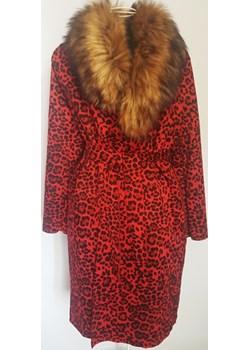 Płaszcz panterka z futerkiem czerwony  Maurit  - kod rabatowy