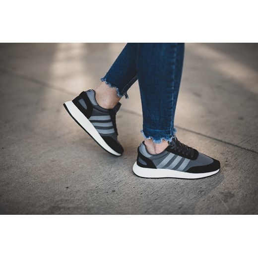 Buty sportowe damskie szare Adidas Originals sznurowane bez