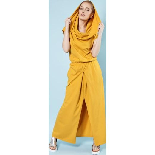 63313bf63e Grace - sukienka maxi z kominem muszardowa Madnezz w Domodi