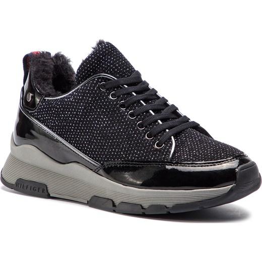 a156b94de59a9 Sneakersy damskie Tommy Hilfiger na płaskiej podeszwie wiązane w Domodi