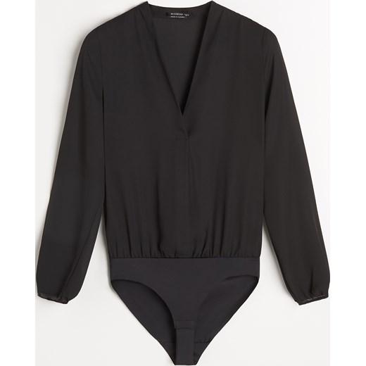 dd959af1ac679a Czarna bluzka damska Reserved z długim rękawem jesienna w Domodi