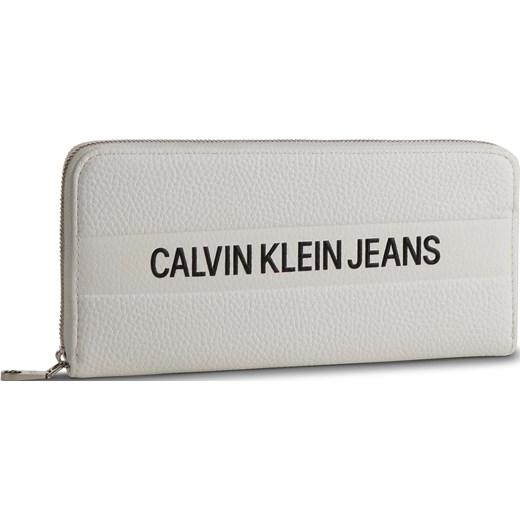 c7746b387ecee Portfel damski Calvin Klein elegancki w Domodi