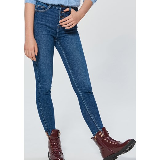 e16a8b13 Jeansy damskie Cropp jeansowe