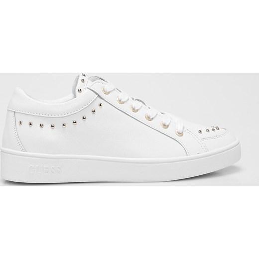 01bde62f18876 Półbuty damskie białe Guess Jeans casualowe wiązane w Domodi