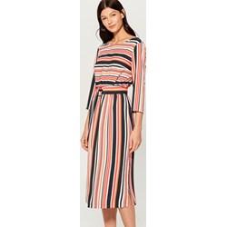 a026b9d2aa Mohito sukienka z długim rękawem midi z okrągłym dekoltem prosta dzienna