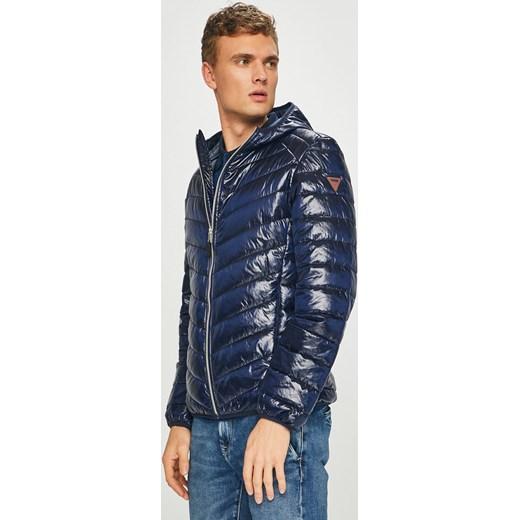 4ce474295ba7b Kurtka męska Guess Jeans bez wzorów niebieska na zimę casual w Domodi