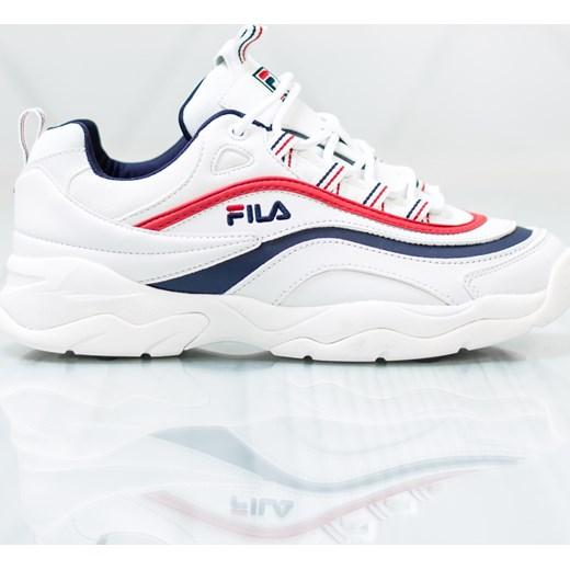 b45d1f58aa15 Białe buty sportowe damskie Fila płaskie w Domodi