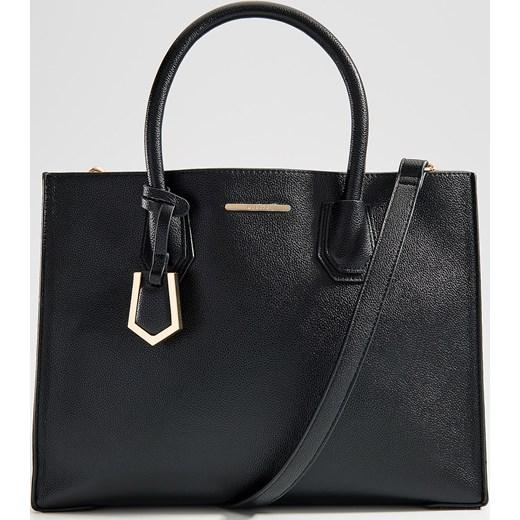 c4484fd332c48 Czarna shopper bag Mohito w Domodi