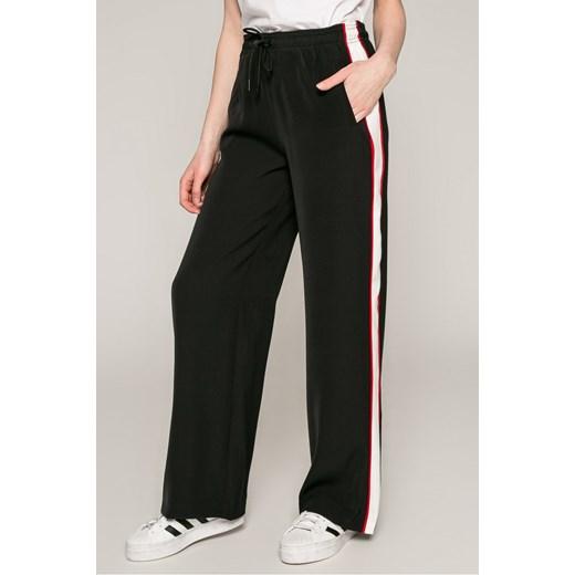 ebdbcc3f34053 Spodnie damskie Calvin Klein w Domodi