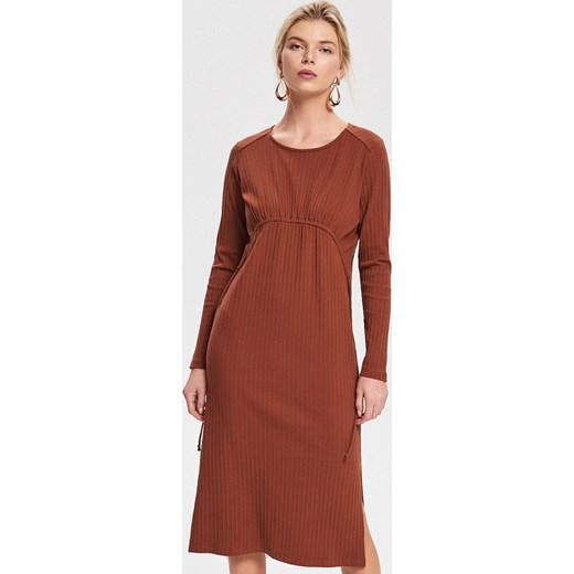 a5d8ddc675 Reserved sukienka bez wzorów z długim rękawem z okrągłym dekoltem ...