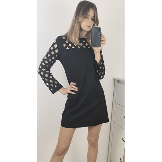 b0c7d8e305 Sukienka z długim rękawem czarna z okrągłym dekoltem mini w Domodi