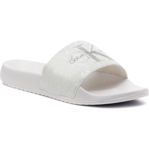 08200fa5eb7bb Calvin Klein klapki damskie z tworzywa sztucznego bez zapięcia białe ...