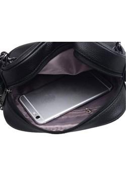 czarna elegancka kopertówka ze srebrnym łańcuszkiem i puszkiem - Savani   - kod rabatowy