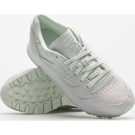 26a8df9f2f351 ... Buty sportowe damskie Reebok sneakersy eleganckie z zamszu sznurowane  na płaskiej podeszwie bez wzorów ...