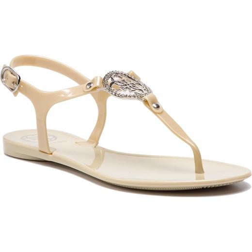 b92bece1128a9 Guess sandały damskie z tworzywa sztucznego beżowe z klamrą bez ...