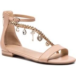 a9a1d44dbf8ca6 Guess sandały damskie młodzieżowe skórzane płaskie z klamrą