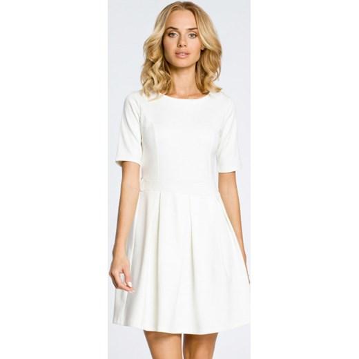 79d07daa76 Sukienka Moe rozkloszowana z okrągłym dekoltem biała na urodziny w ...