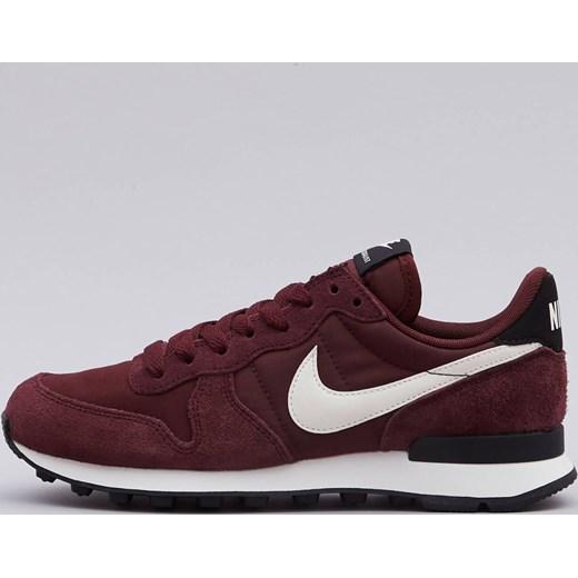sale retailer f717c e7cbe Buty sportowe damskie Nike czerwone sznurowane bez wzorów na koturnie