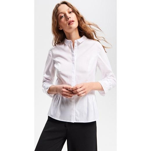 e65cf9c9b0 Koszula damska biała Reserved z długim rękawem w Domodi