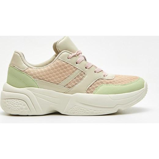 a1939155 Sneakersy damskie Cropp sznurowane sportowe na platformie w Domodi