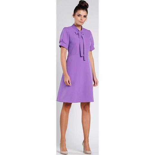 dec430e3ad Fioletowa Rozkloszowana Wizytowa Sukienka z Wiązaniem przy Dekolcie Nommo  XL MOLLY.PL