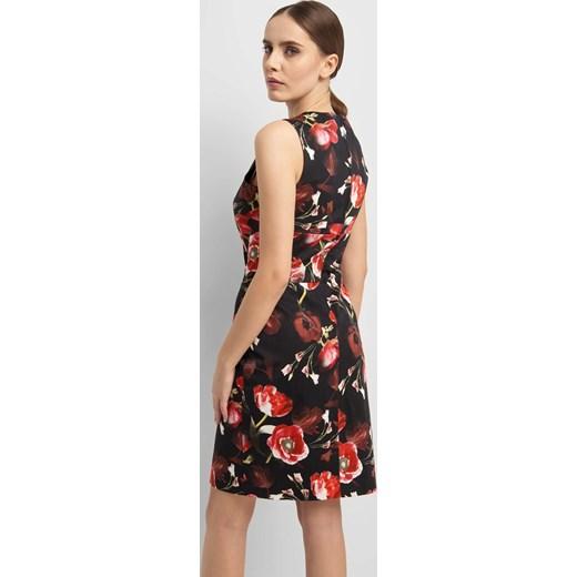 78f1a93d5a ... Sukienka wielokolorowa ORSAY z okrągłym dekoltem dopasowana mini na  spacer