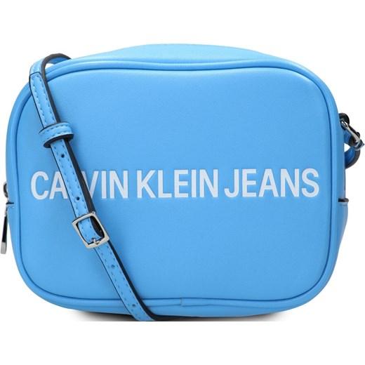 f876ff1ab9f57 Listonoszka Calvin Klein bez dodatków na ramię średnia w Domodi