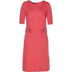 38b432fb91 Sukienka Bpc Selection Premium różowa midi gładka z okrągłym dekoltem