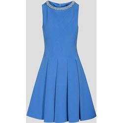 c61e5ce4d4c3 Niebieska sukienka ORSAY z tkaniny elegancka midi bez rękawów z okrągłym  dekoltem