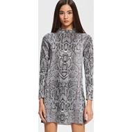 05cfc77612 Sukienka Reserved w abstrakcyjnym wzorze prosta z okrągłym dekoltem z długim  rękawem