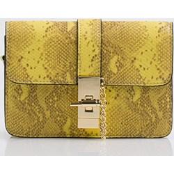10026d34dbb8a Kopertówka Monnari w stylu glamour żółta ze skóry ekologicznej