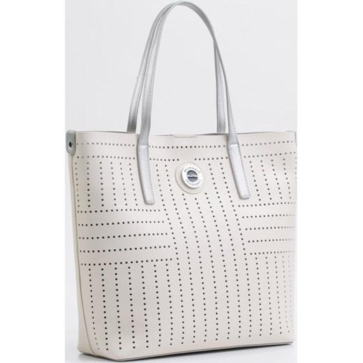 36d14397463b0 Shopper bag Monnari na ramię bez dodatków ze skóry ekologicznej elegancka  ze zdobieniami  Ażurowy shopper z saszetką Monnari One Size E-Monnari ...