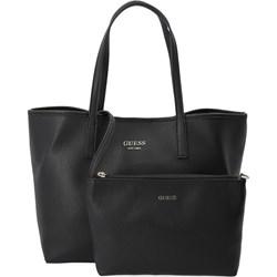 9b2913528c688 Shopper bag Guess mieszcząca a7 bez dodatków na ramię matowa