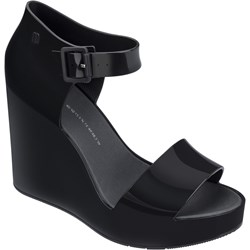 bb940108 Czarne sandały damskie Melissa na koturnie